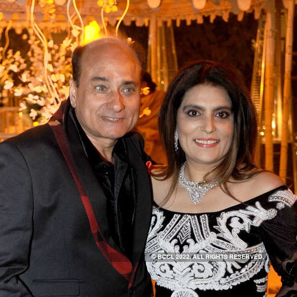 Sunil Tandon's birthday party