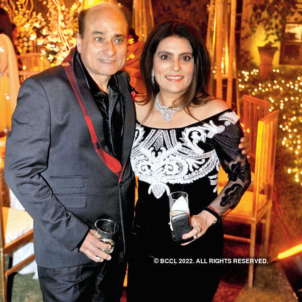Reynu Taandon's hubby's b'day party