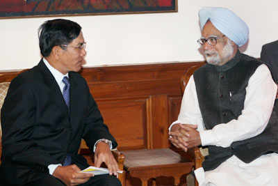 Myanmar's Foreign Minister in India