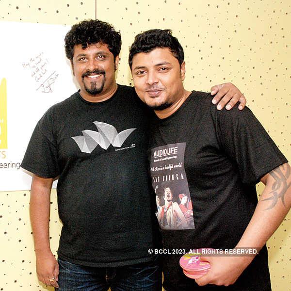 Raghu Dixit visits engineering college