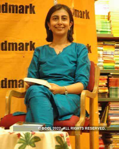 Book recital by Anjum