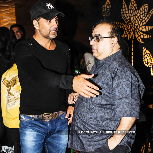 Shatrughan Sinha's b'day party