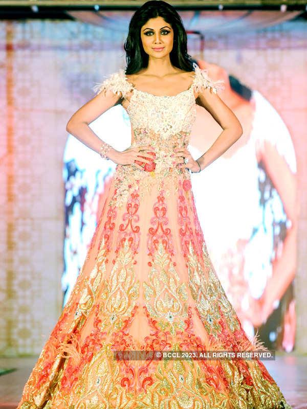 Shilpa walks for Rohit Verma