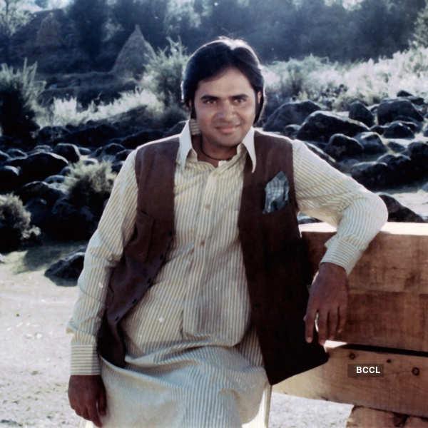 Remembering Farooq Sheikh on his 70th birth anniversary