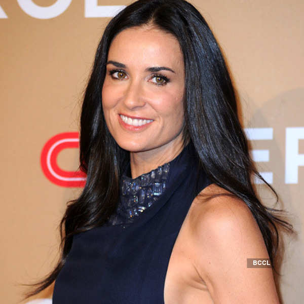 Demi Moore 51 She Is An American Actress And Model She Posed For A Nude Pictorial In Oui Magazine In 1980 Moore Dated Actor Ashton Kutcher Who Is 15 Years Her Junior