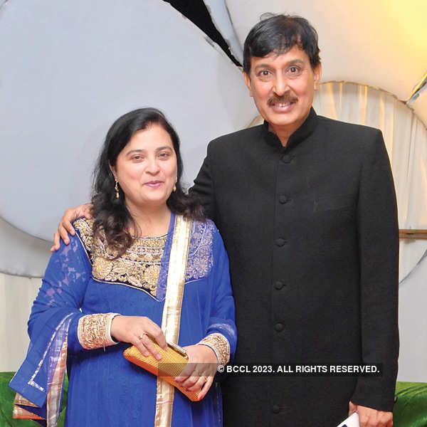 Nilofar, Shakeel Khan's wedding anniversary