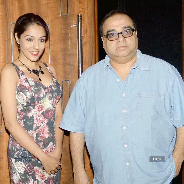 Kalyana Samayal Saadham: Premiere