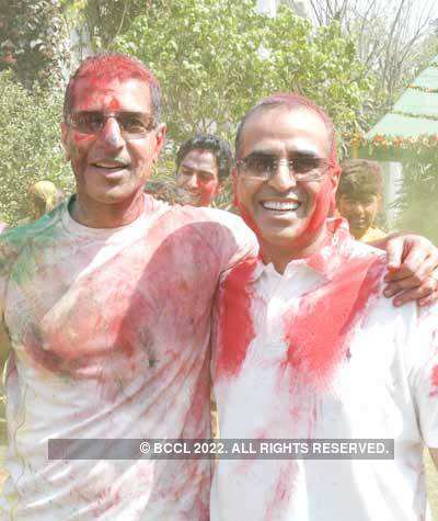 Celebs sizzle at Vineet Jain's Holi Party