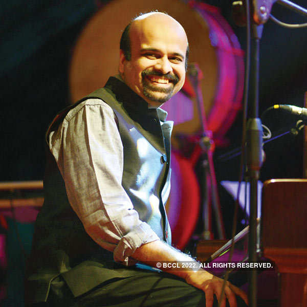 Singer Karthik's live in concert