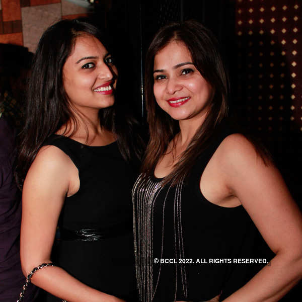Bollywood masti at i-Bar
