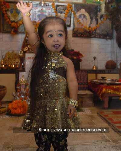 World's smallest girl