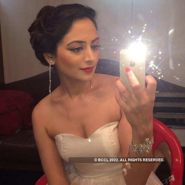 Sneak Peek:Former beauty queen Zoya Afroz on the sets of 'The Xpose'