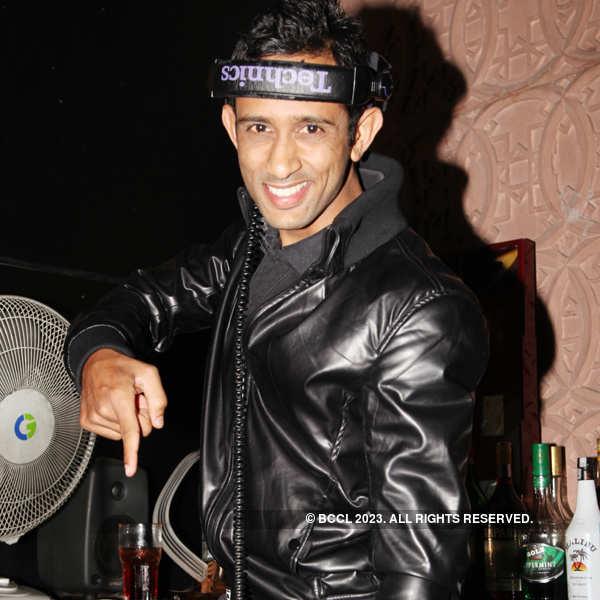 DJ Hussain @ i-Bar