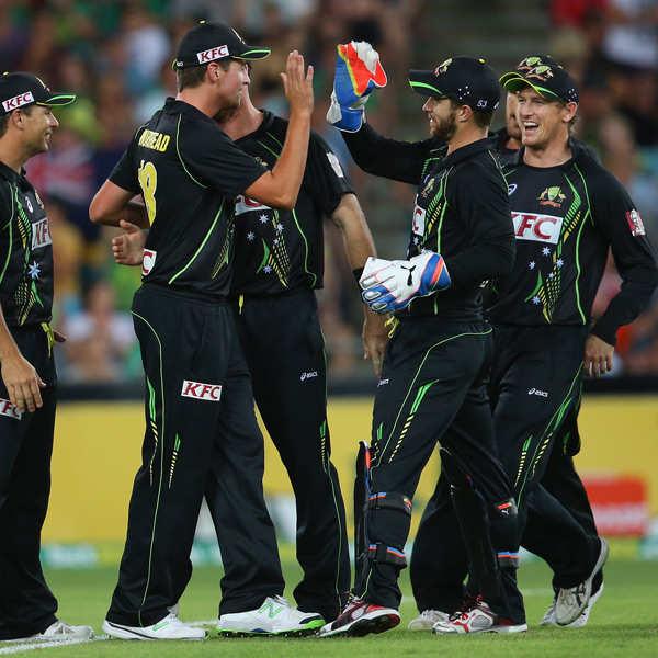 Australia beat England to win T20 series 3-0