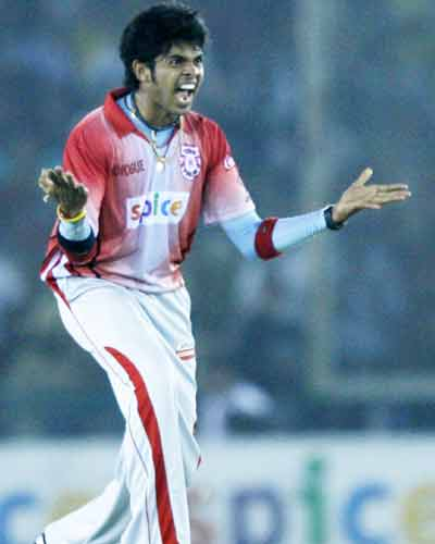 King's XI rout Knight Riders