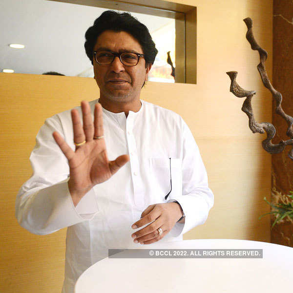 Mumbai Police arrest Raj Thackeray