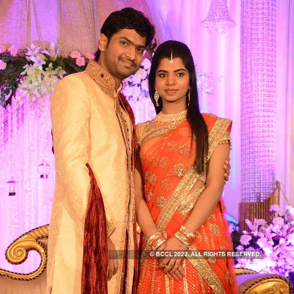 Elakkiya weds Abhilash