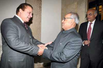 Pranab to meet Musharraf