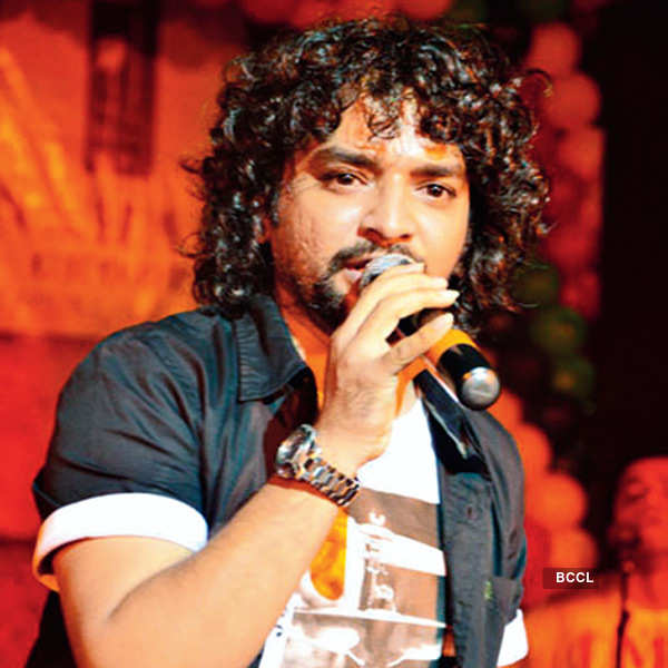 Gujarati musicians strike the right notes in B-Town