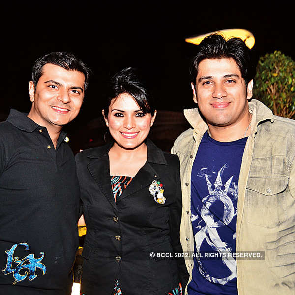 Rajveer Arora hosts a party