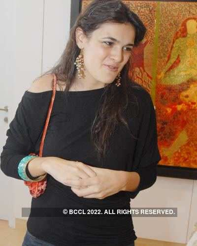 Art exhibiton by Arti Singh