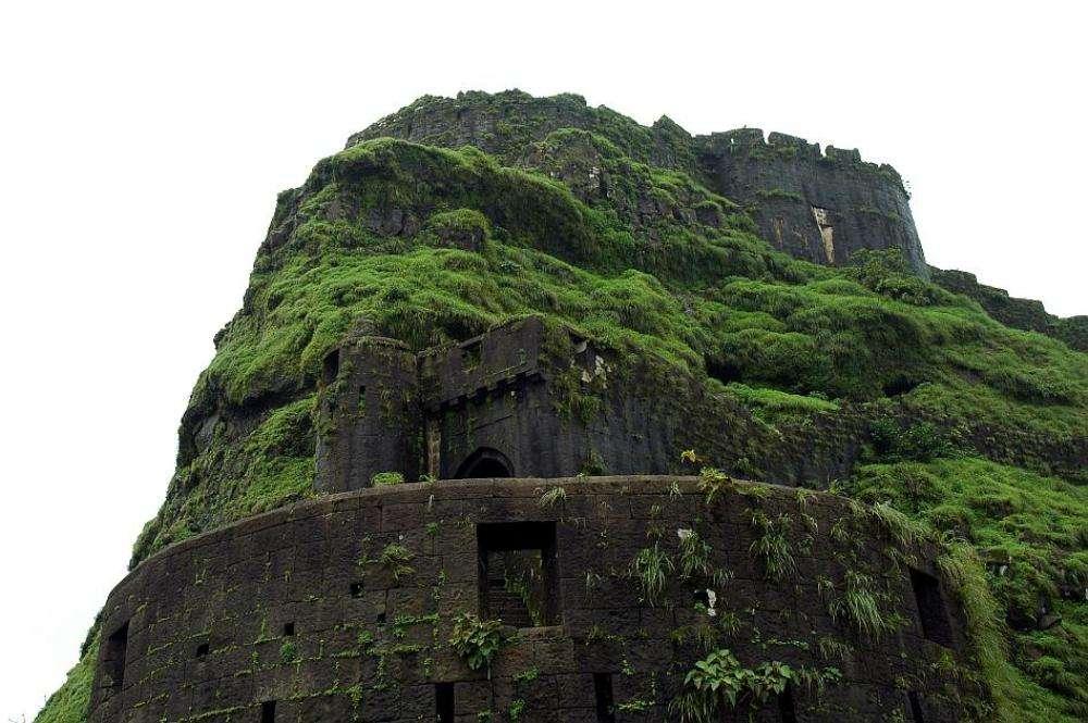8 popular trekking points around Pune