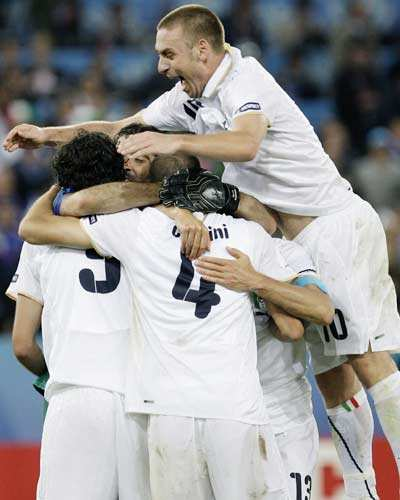 Euro: Italy knocks out France