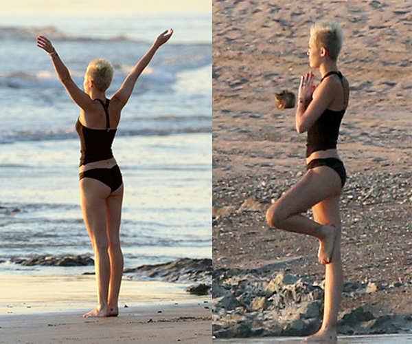 Miley Cyrus shows off her perfect bikini body