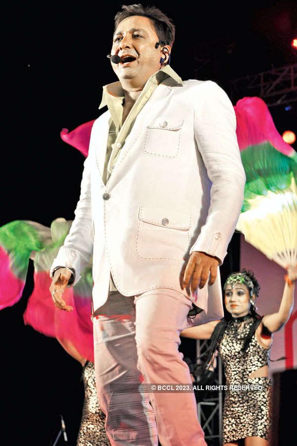 Bollywood celebs @ SRCC cultural festival