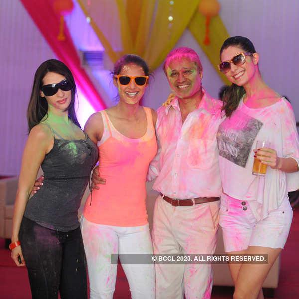 Vineet Jain's Zoom Holi Party
