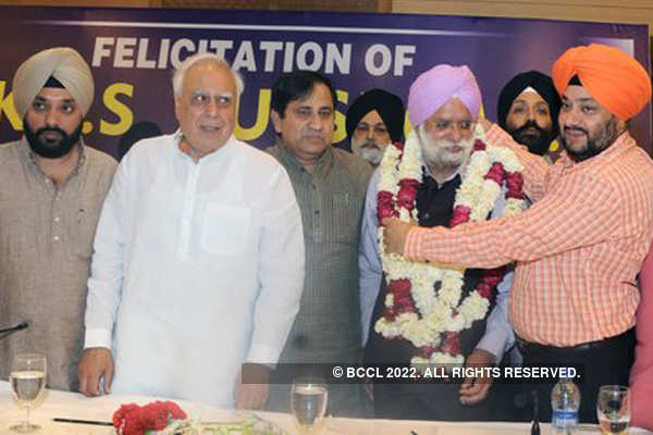 KTS Tulsi's felicitation ceremony