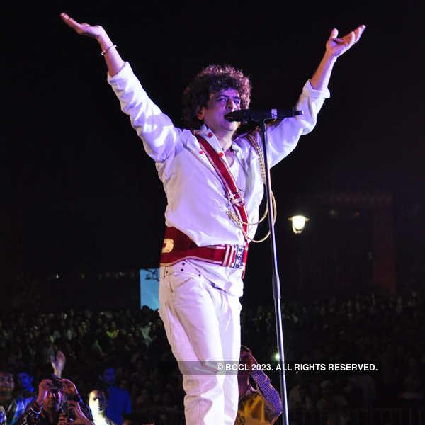 Euphoria performs in Delhi