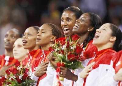 USA win basketball gold