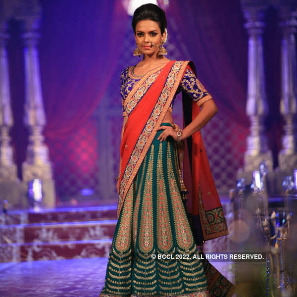 Prachi, Bidita walk the ramp