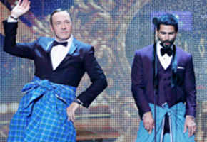 Kevin Spacey does Bollywood dancing