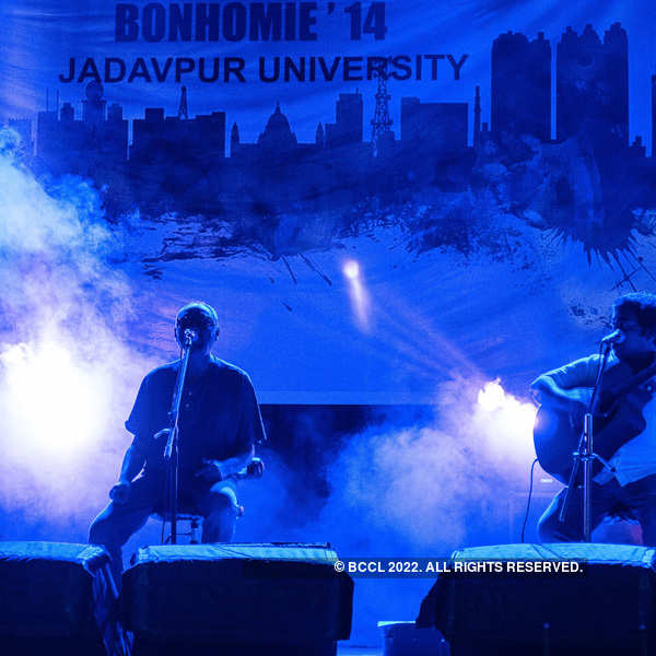 Dutta Trio performs at Jadavpur University