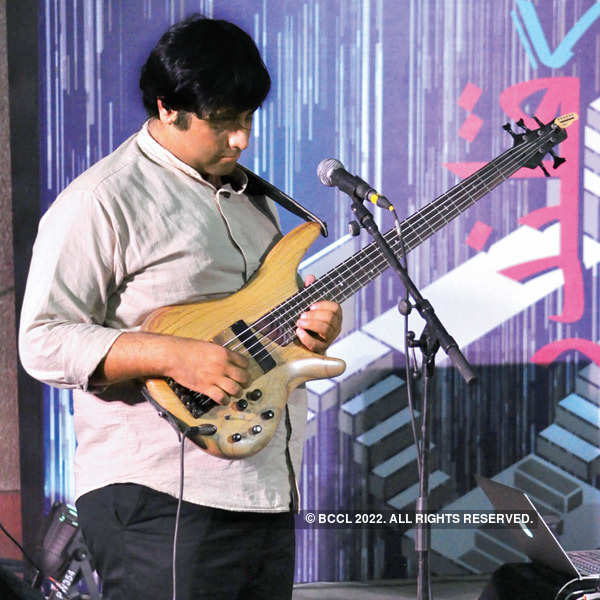 Delhi's date with guitars & music