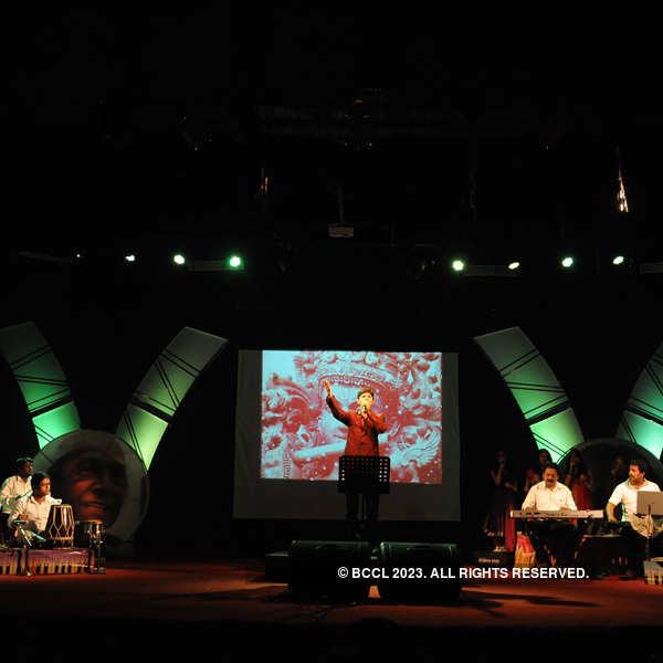 Majumdar and Niranjan performs in Nagpur