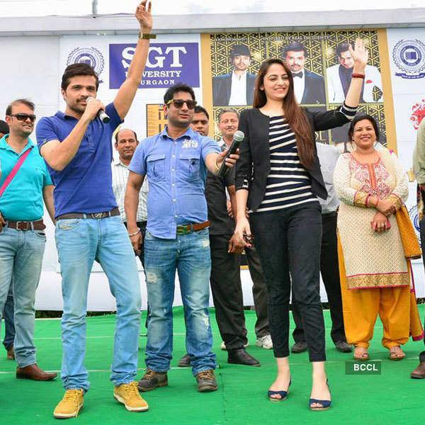 Zoya Afroz promotes her film 'Xpose' with Himesh Reshammiya