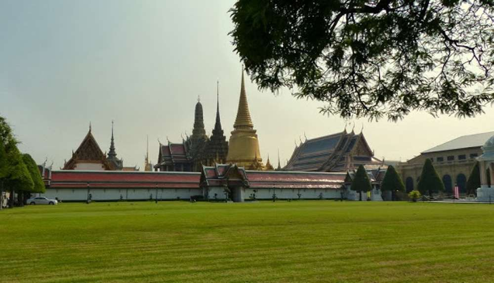 Visit the Grand Palace & Wat Pho