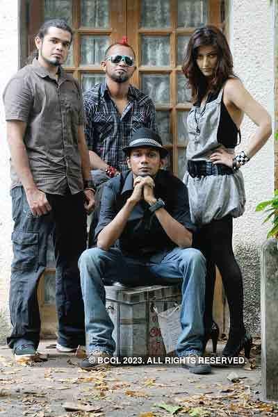 Shruti and band