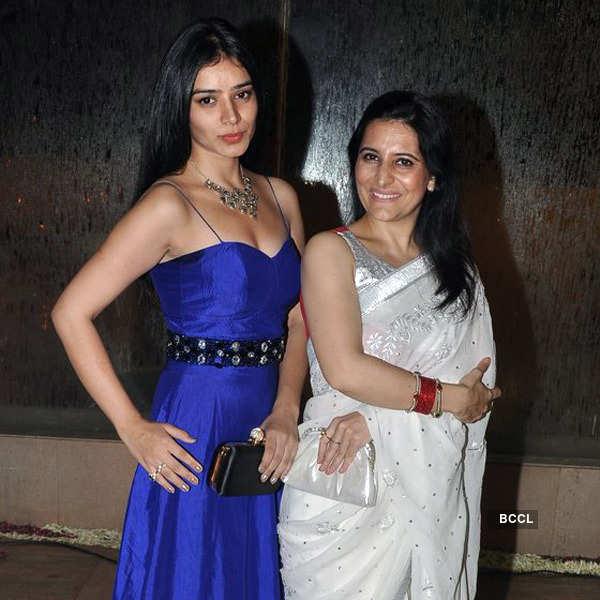 Kanan & Aakanksha's wedding reception