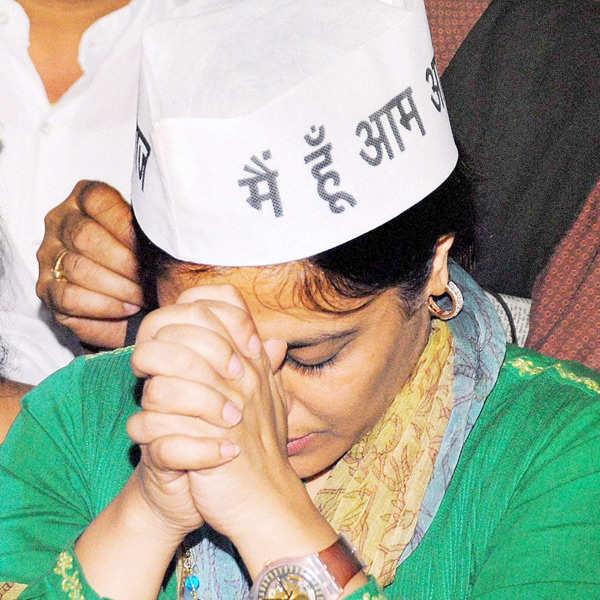 Shazia Ilmi, Captain Gopinath quit AAP