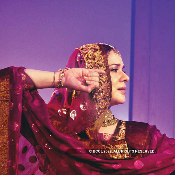 Zarina Begum performs in Delhi