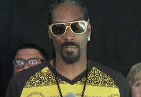 Snoop Dogg speaks out for anti-gun laws