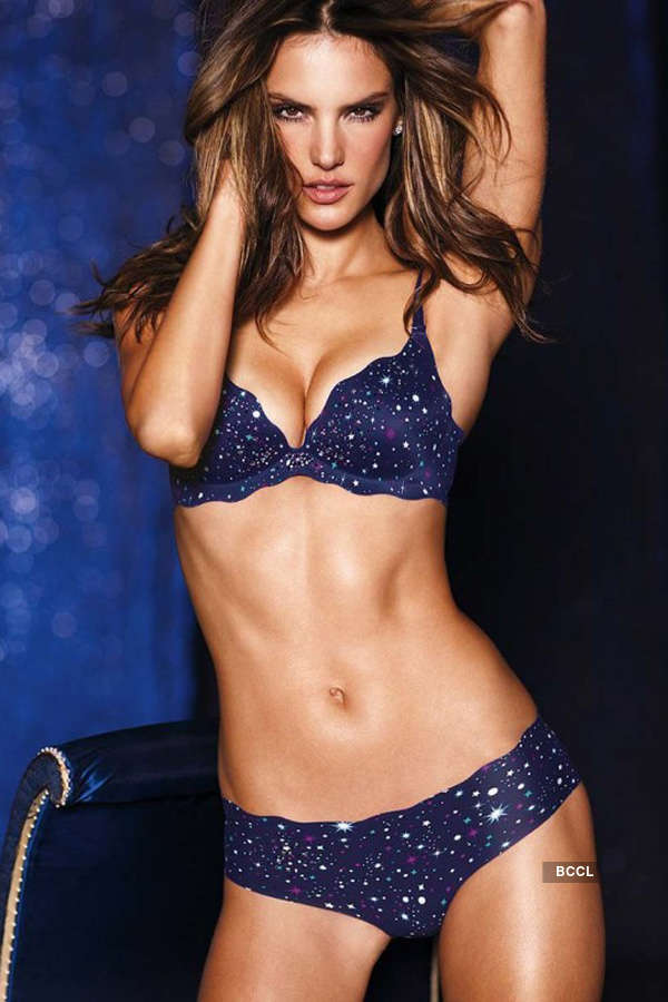 Babes with fab abs!