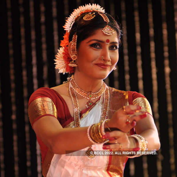 Bickram, Jaya perform at ICCR