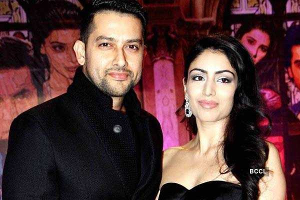 Bollywood celebs who fooled us with their relationship status