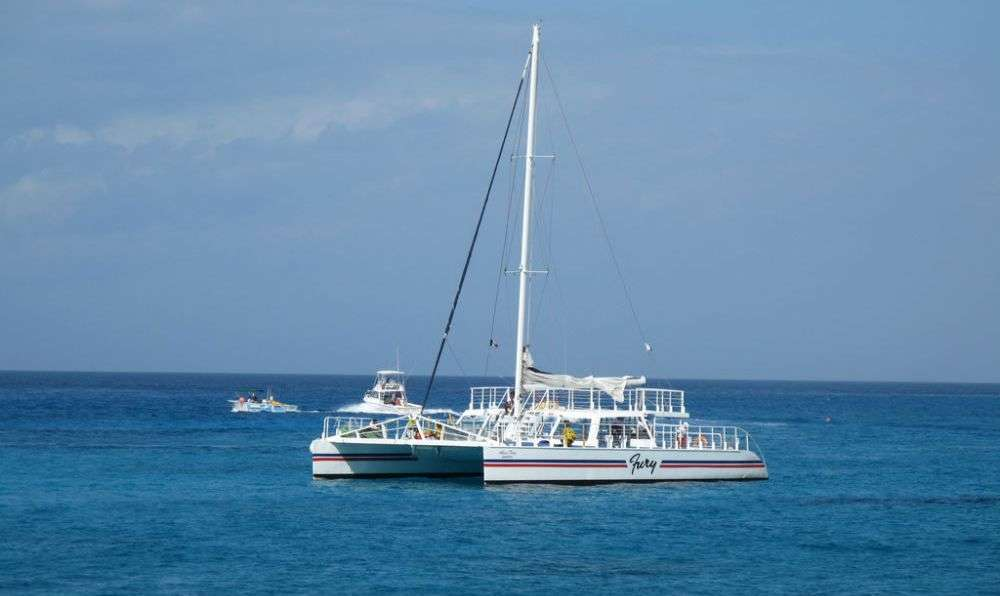 Yacht charter in the Grenadines