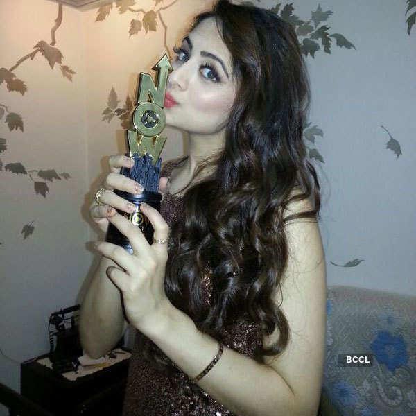 Zoya Afroz wins 'Big Life Ok Now' Best actress Award
